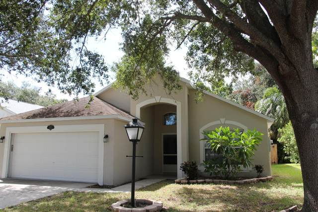 4545 Grand Meadows Boulevard, Melbourne, FL 32934 (MLS #885133) :: Blue Marlin Real Estate