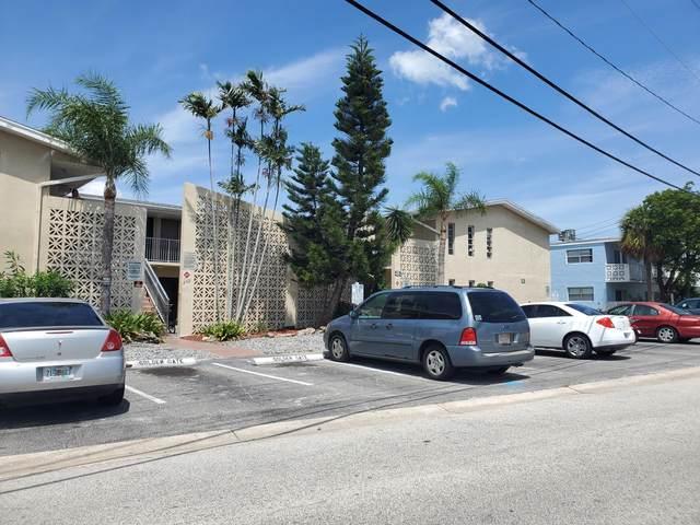 202 Caroline Street #104, Cape Canaveral, FL 32920 (MLS #885492) :: Premium Properties Real Estate Services