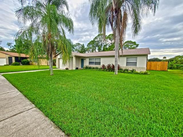 2315 Scotland Road, Cocoa, FL 32926 (MLS #885523) :: Premium Properties Real Estate Services
