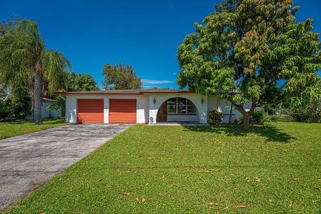 1656 Wavecrest Street, Merritt Island, FL 32952 (MLS #886050) :: Coldwell Banker Realty