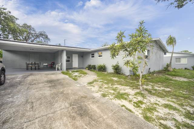 2705 Yorkshire Drive, Titusville, FL 32796 (MLS #886112) :: Blue Marlin Real Estate