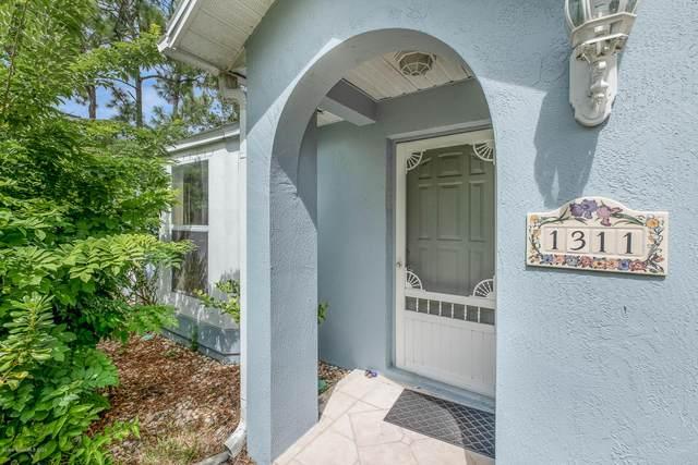 1311 Schneider Street SW, Palm Bay, FL 32908 (MLS #886216) :: Blue Marlin Real Estate
