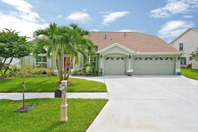 4851 Verona Circle, Melbourne, FL 32940 (MLS #886239) :: Blue Marlin Real Estate