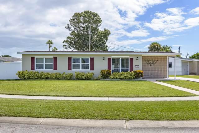 2900 Rowe Street NE, Palm Bay, FL 32905 (MLS #886292) :: Blue Marlin Real Estate