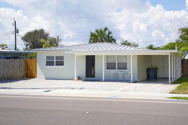 1318 S Orlando Avenue, Cocoa Beach, FL 32931 (MLS #886328) :: Blue Marlin Real Estate