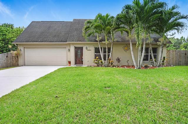 2334 Ravel Road SE, Palm Bay, FL 32909 (MLS #886399) :: Premier Home Experts