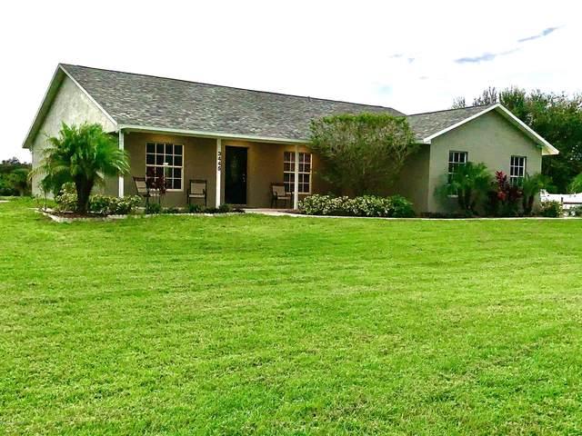 3445 Burkholm Road, Mims, FL 32754 (MLS #886540) :: Coldwell Banker Realty