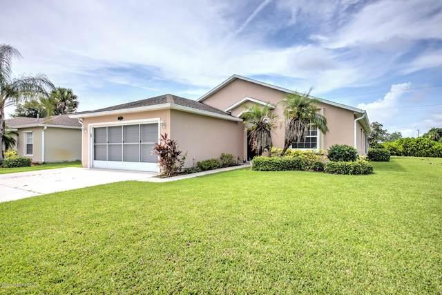 1900 NE Gloria Circle NE, Palm Bay, FL 32905 (MLS #886904) :: Coldwell Banker Realty