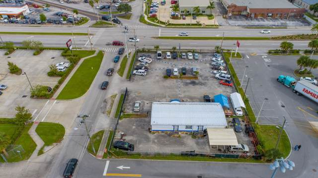 1059 W King Street, Cocoa, FL 32922 (MLS #886953) :: Premium Properties Real Estate Services