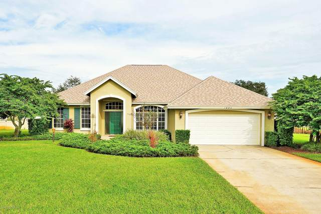1845 Lakeside Drive, Titusville, FL 32780 (MLS #887164) :: Premium Properties Real Estate Services