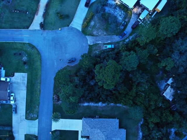 6203 Horseshoe Avenue, Titusville, FL 32780 (MLS #887218) :: Blue Marlin Real Estate