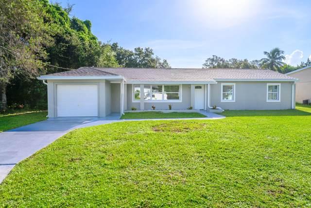 776 Sara Jane Lane, Merritt Island, FL 32952 (MLS #887238) :: Blue Marlin Real Estate