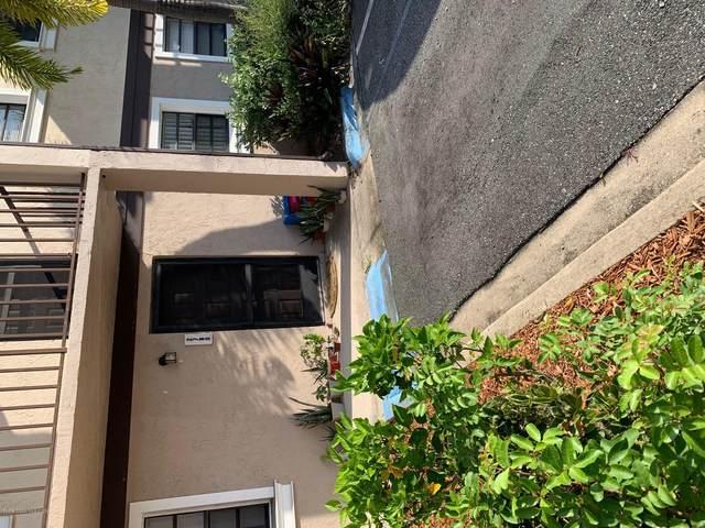 2780 Rhonda Lane Rh80, Melbourne, FL 32935 (MLS #887438) :: Engel & Voelkers Melbourne Central
