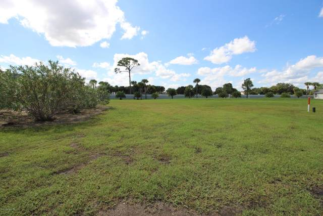 1908 Freedom Drive, Melbourne, FL 32940 (MLS #887521) :: Premium Properties Real Estate Services