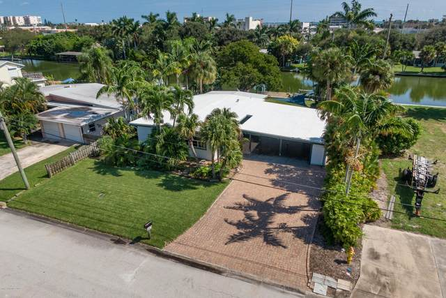 113 Aucila Road, Cocoa Beach, FL 32931 (MLS #887574) :: Coldwell Banker Realty
