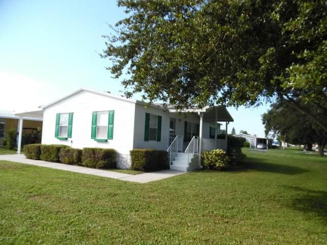 900 Pecan Circle, Barefoot Bay, FL 32976 (MLS #887648) :: Premium Properties Real Estate Services
