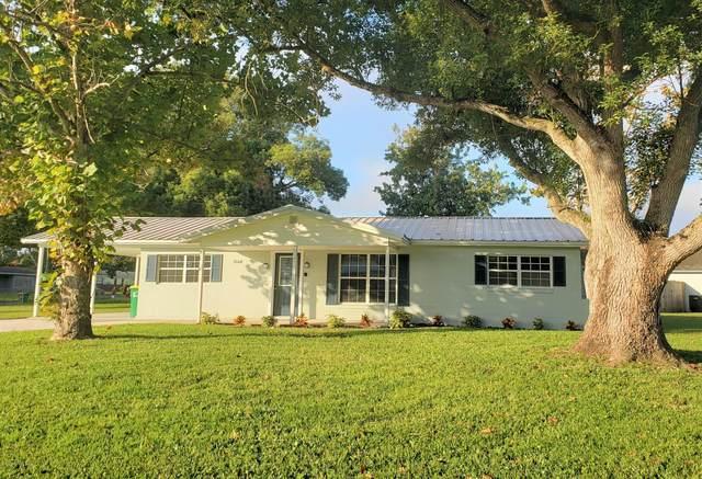 3160 Daryl Terrace, Titusville, FL 32796 (MLS #887784) :: Premium Properties Real Estate Services