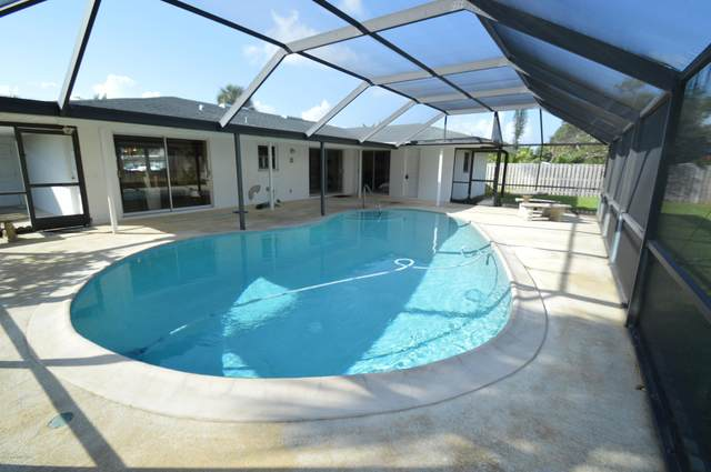 304 Ninth Terrace, Indialantic, FL 32903 (MLS #888023) :: Premium Properties Real Estate Services