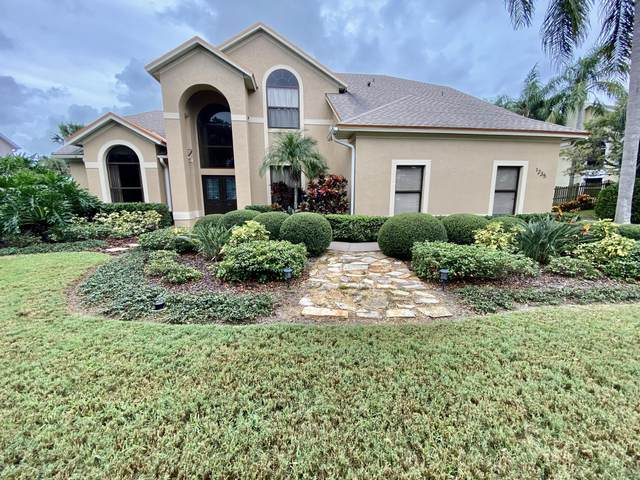 1235 Mercedes Drive, Merritt Island, FL 32952 (MLS #888092) :: Coldwell Banker Realty