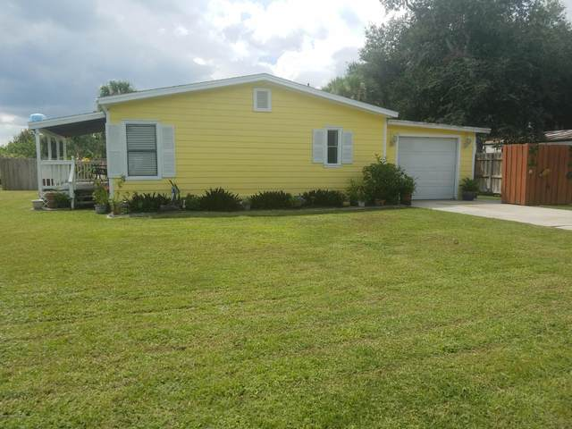 142 Vanguard Circle, Cocoa, FL 32926 (MLS #888546) :: Premium Properties Real Estate Services