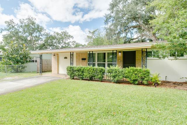 18 N Dixie Avenue, Titusville, FL 32796 (MLS #888701) :: Coldwell Banker Realty