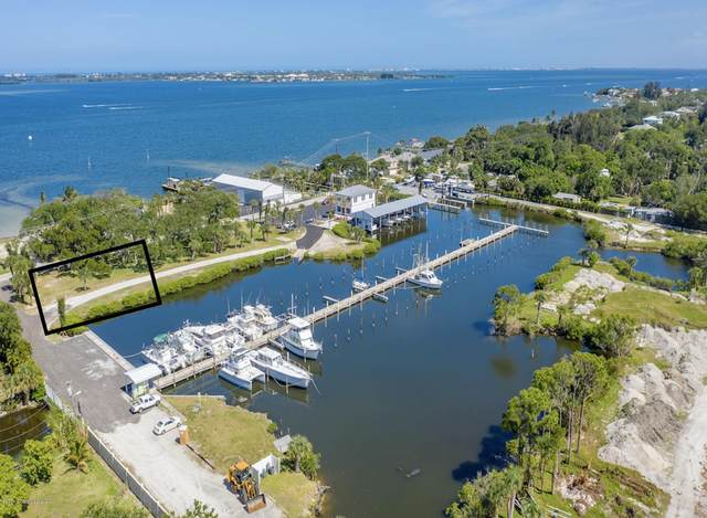 1205 S Banana River Drive, Merritt Island, FL 32952 (MLS #888880) :: Engel & Voelkers Melbourne Central