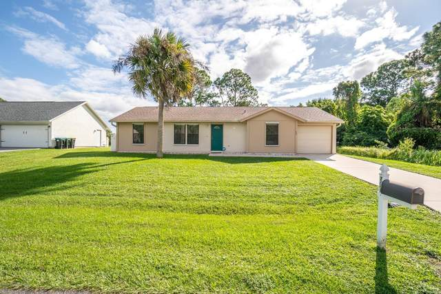 540 Truman Street SW, Palm Bay, FL 32908 (MLS #889559) :: Premium Properties Real Estate Services