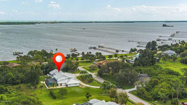 2595 Coral Way, Malabar, FL 32950 (MLS #889576) :: Premium Properties Real Estate Services