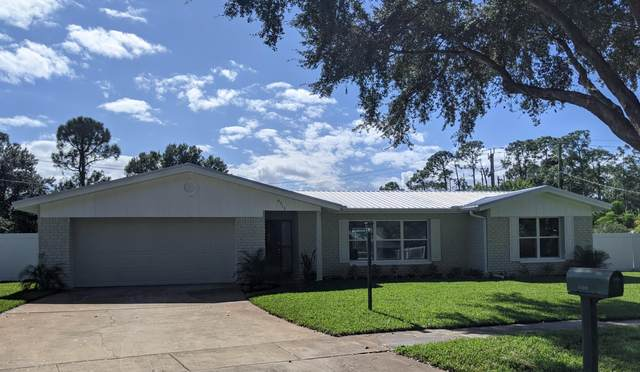 4313 Flintshire Way, Titusville, FL 32796 (MLS #889603) :: Coldwell Banker Realty