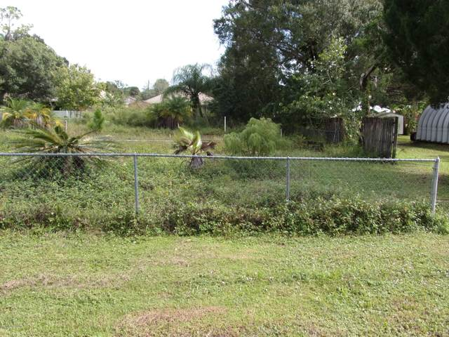 2255 Michigan Street, Melbourne, FL 32904 (MLS #889655) :: Blue Marlin Real Estate