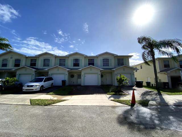 127 Anchorage Avenue #7, Cape Canaveral, FL 32920 (MLS #889777) :: Coldwell Banker Realty