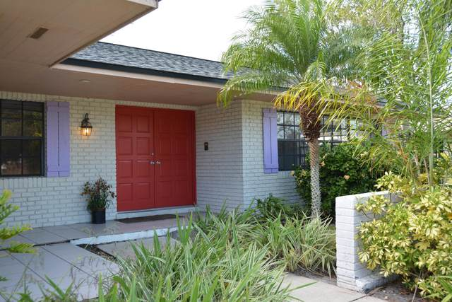 2600 Manorwood Drive, Melbourne, FL 32901 (MLS #889884) :: Coldwell Banker Realty