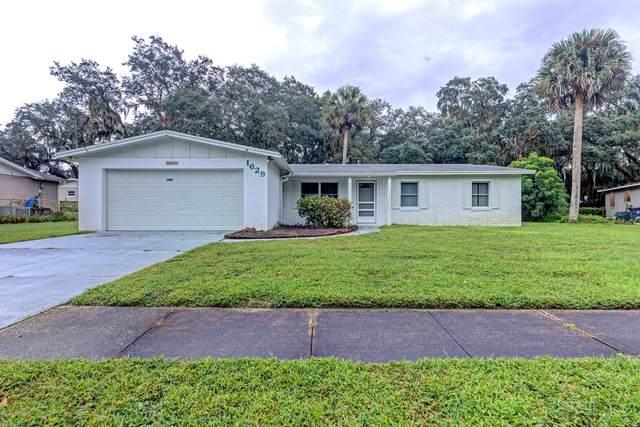 1629 Kemberly Avenue, Titusville, FL 32796 (MLS #889963) :: Premium Properties Real Estate Services