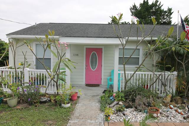 1248 Robin Drive, Merritt Island, FL 32952 (MLS #890517) :: Coldwell Banker Realty