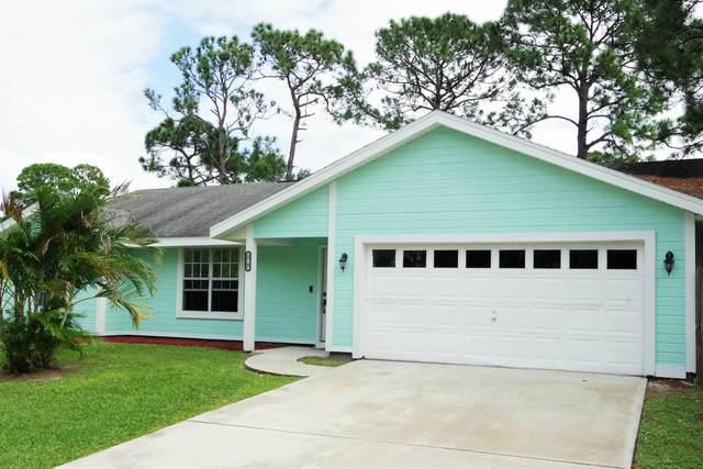 581 David Circle SW, Palm Bay, FL 32908 (MLS #890822) :: Premium Properties Real Estate Services