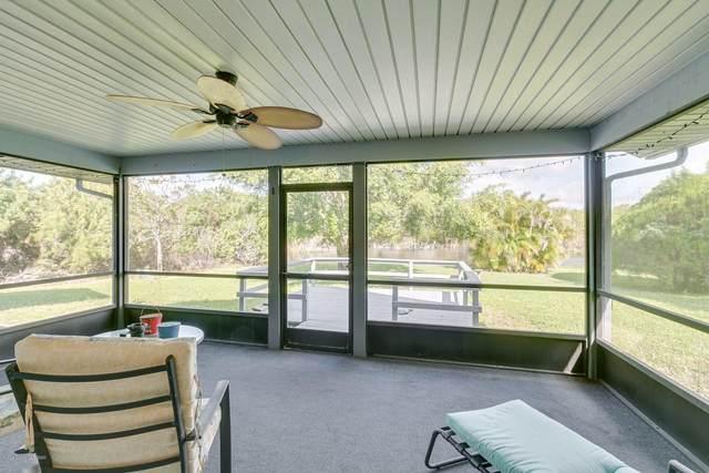 1840 Dee Drive, Merritt Island, FL 32953 (MLS #890952) :: Premium Properties Real Estate Services