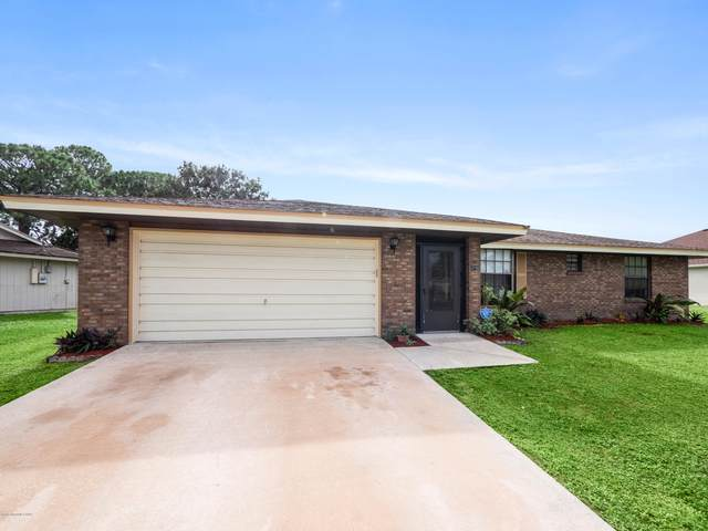 190 Emerson Drive NW, Palm Bay, FL 32907 (MLS #890964) :: Premium Properties Real Estate Services