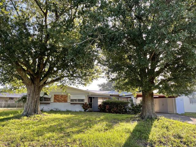 4815 W Key Largo Drive W, Titusville, FL 32780 (MLS #891185) :: Premium Properties Real Estate Services