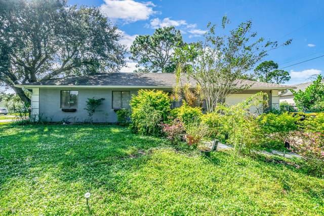 400 Carolina Avenue NW, Palm Bay, FL 32907 (MLS #891233) :: Coldwell Banker Realty