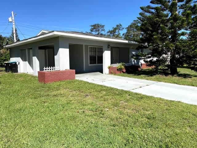 3274 Dade Circle NE, Palm Bay, FL 32905 (MLS #891356) :: Coldwell Banker Realty