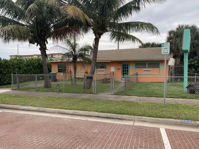349 N Orlando Avenue N, Cocoa Beach, FL 32931 (MLS #891848) :: Blue Marlin Real Estate