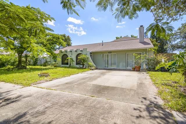 2610 Elm Hurst Street, Merritt Island, FL 32953 (MLS #893402) :: Blue Marlin Real Estate