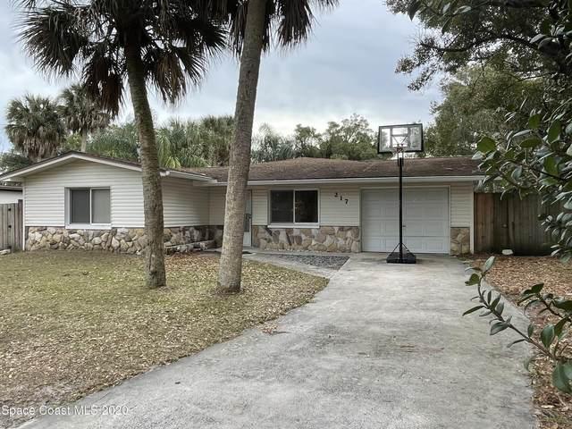 217 Espanola Way, Melbourne, FL 32901 (MLS #894605) :: Premium Properties Real Estate Services