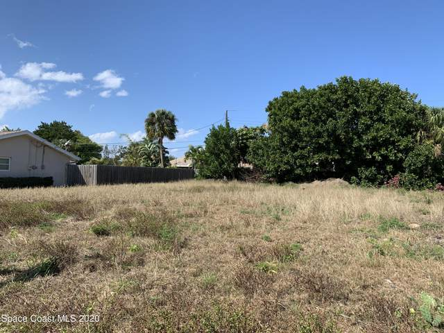 260 Maple Drive, Satellite Beach, FL 32937 (MLS #897766) :: Blue Marlin Real Estate