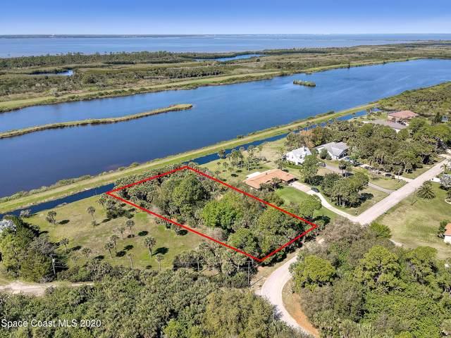 7717 Pine Lake Drive, Merritt Island, FL 32953 (MLS #898080) :: Premium Properties Real Estate Services
