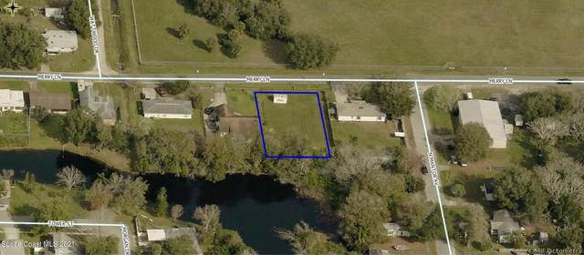 2535 Merry Lane, Titusville, FL 32796 (MLS #898535) :: Coldwell Banker Realty