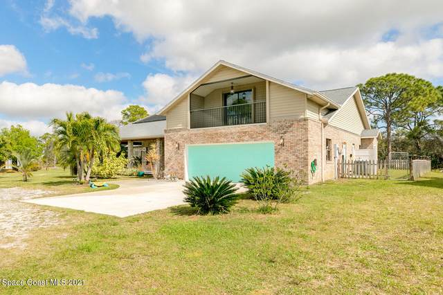 4540 Sand Point Road, Grant, FL 32949 (MLS #898582) :: Coldwell Banker Realty