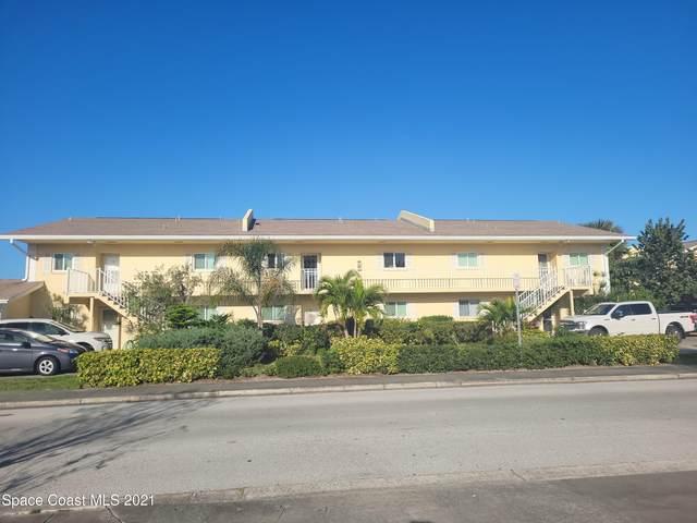 70 Cedar Avenue #2, Cocoa Beach, FL 32931 (MLS #899586) :: Engel & Voelkers Melbourne Central