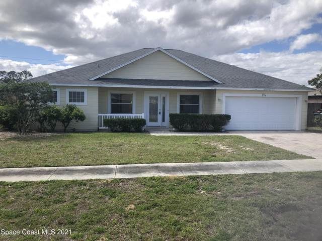 2956 Brandywine Circle, Titusville, FL 32796 (MLS #899715) :: Premium Properties Real Estate Services