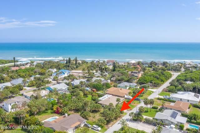 140 Duval Street, Melbourne Beach, FL 32951 (MLS #900595) :: Premium Properties Real Estate Services